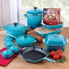 Le Creuset Cookware Set , 20 Piece in Caribbean.Im in love with this!!!
