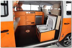 Cozy Camper Van Interior Ideas (24) – The Urban Interior