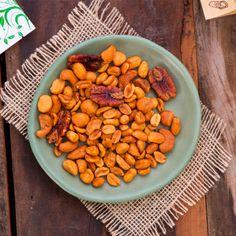 Snack Super Nuts #snacks #healthysnacks #naturalsnacks #peanuts #madeinnatural #brazilnuts
