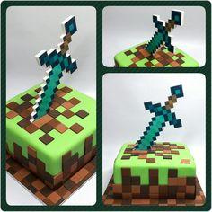 Cake Minecraft • Espada #PrityCakes  #pritycakes #cake #torta #dulce #tarta #minecraft #minecraftcake #panamacake #fondantcake #fondant #edibleprintsoncake #diamondsword #espadadiamante #panama #panamacakes #pty #pty507