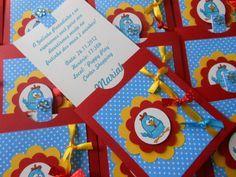 Convite feito com detalhes em scrapbook Nome do convidado à parte Acompanha saquinho transparente Fazemos em qualquer tema