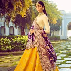 The latest collection of Bridal Lehenga designs online on Happyshappy! Find over 2000 Indian bridal lehengas and save your favourite once. Indian Bridal Wear, Indian Wedding Outfits, Indian Wear, Indian Outfits, Indian Style, Indian Engagement Outfit, Indian Reception Outfit, Red Indian, Indian Weddings