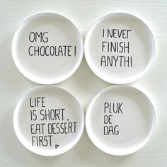 yeah, dessert plates that share their perspective. Sharpie Plates, Sharpie Paint, Diy Sharpie Mug, Painted Ceramic Plates, Ceramic Painting, Pista Shell Crafts, Oil Based Sharpie, Christmas Paper Plates, Lenotre