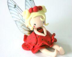 Fairy Figurine in a flower pot por TheDollAndThePea en Etsy