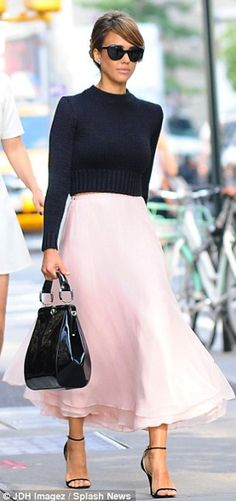 Maxi skirts - 5 Hijab friendly Celebrity Inspired Winter Looks We Love! - Haute Hijab