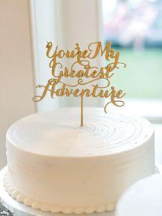 Lillian Rose Caucasian Bride and Groom Wedding Cake Topper - Ideal Wedding Ideas Wedding Cake Fresh Flowers, White Wedding Cakes, Elegant Wedding Cakes, Cool Wedding Cakes, Beautiful Wedding Cakes, Trendy Wedding, Luxe Wedding, Crystal Wedding, Spring Wedding