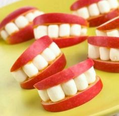 Need a healthy funny snack to give your kids after school?  Try this apple slices and marshmellows teeth!  visit us at   priestlakedental.com