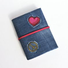 This gorgeous A6 Hobonichi cover will accommodate your Hobonichi inserts and anything up to an A6 book Comes complete with elastic to hold all your notes in place Great handbag size.