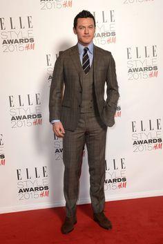 Pin for Later: Die Stars zeigen sich super sexy bei den Elle Style Awards Luke Evans