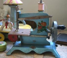❤✄◡ً✄❤ Antique sewing machine