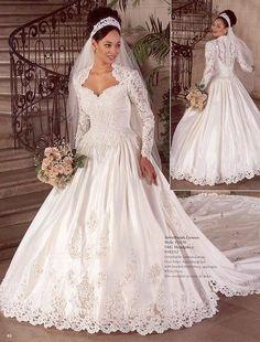 45 Ideas wedding dresses vintage bridal for 2020 Eve Of Milady Wedding Dresses, Bridal Wedding Dresses, Dream Wedding Dresses, Lace Wedding, Christian Wedding Dress, Style Année 80, Vegas Dresses, Sweetheart Wedding Dress, Mermaid Wedding