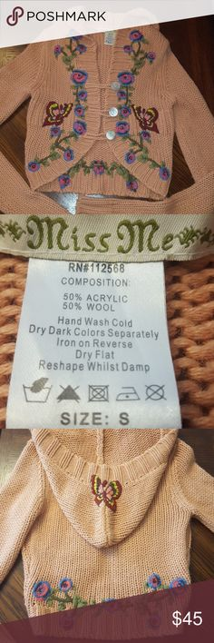 """Miss me hooded sweater size small Great previously worn condition!! Measurements are approximate and taken laying flat  Pit to pit 15 """" Pit to wrist 22 1/2"""" Miss Me Sweaters Cardigans"""