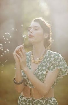 how do i love thee: Ruche The Fevers, Dandelion Wish, Blowing Dandelion, Dandelion Seeds, How To Pose, Make A Wish, Girly, Romance, Glamour