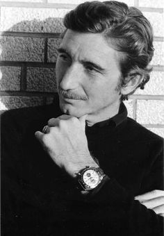 Jo Siffert with a Heuer Autavia via moonphase.fr #josiffert #siffert #heuer #autavia #vintage #watches #classicwatches #vintagewatches #menswear #wristwear #wriststyle #stawc
