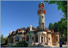 El Capricho de Gaudí, Comillas, Cantabria - España  by alfonso-tm, via Flickr