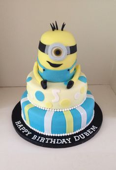 Despicable Me, minion birthday cake by www.boutiquebakehouse.co.uk