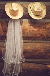 Cowboy Wedding is my dream weding Cowgirl Wedding, Chic Wedding, Rustic Wedding, Dream Wedding, Cowboy Weddings, Country Weddings, Western Weddings, Wedding Stuff, Barn Weddings