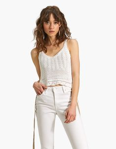 Fall in love with the new women's collection from Stradivarius. Discover the latest trends in clothes, accessories and shoes for Autumn/Winter Get inspired! Crochet Cardigan, Knit Crochet, Estilo Hippy, Summer Knitting, Knitwear Fashion, Crochet Clothes, Festival Fashion, Ready To Wear, Women Wear