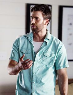 Chris Evans on the set of Gifted