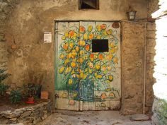 Tür in Valloria by solino_222, via Flickr  Italy