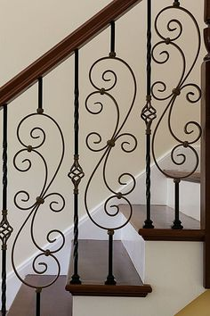 Traditional Staircase – Come find more on Zillow Digs! Traditional Staircase – Come find more on Zillow Digs! Staircase Railing Design, Interior Stair Railing, Metal Stair Railing, Balcony Railing Design, Wrought Iron Stair Railing, Wrought Iron Decor, Staircase Remodel, Staircase Makeover, Traditional Staircase