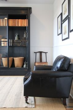 Black leather sofa | #Living - Pinned onto ★ #Webinfusion>Home ★
