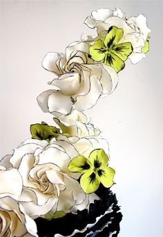 Sugar flowers made by Maggie Austin