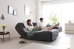 '표정 있는 가구' 에몬스가구가 최근 좋은 소식을 알렸다. 한국표준협회(KSA)가 주관하는 '2019 대한민국 혁신대상'에서 에몬스의 '이모션20 매트리스'가 '대한민국 제품 혁신상 대상'을 수상한 것이다.  그 소식과 '이모션20매트리스'에 대해 소개한다. Bean Bag Chair, Furniture, Home Decor, Decoration Home, Room Decor, Beanbag Chair, Home Furnishings, Home Interior Design, Bean Bag