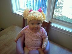 DIY crochet hats and costumes. This one pictured is Cabbage Patch yarn hair! Were there boy Cabbage Patch kids? Cabbage Patch Kids, Elsa E Anna Frozen, Little Ones, Little Girls, Bebe Love, Little Doll, Kids Hats, Halloween Masks, Baby Halloween