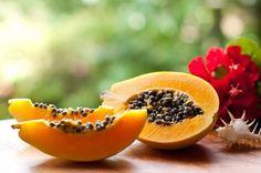 O mamão, ou papaia por seu nome científico Carica papaya, é o fruto do mamoeiro ou papaieira, originário do sul do México e países vizinhos. É um fruto de polpa