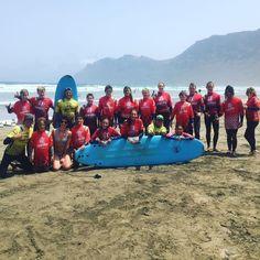 #fantastic day on the #beach of #Famara. @lasantaprocenter @lasantasurf  @jaime_pombo @albert_lasantasurf #surflessons #surfcoach #surfcamp #surfcamplanzarote #lanzarote #surfteguise #surfschool #surfschoollanzarote #summer #summertime #summersurfing #surfcanarias @lasantasurf