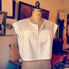 White cotton lawn crop top perfect to wear with your high waisted skirts, shorts or pants. Pleats at front and back. Slightly sheer cotton voile at Diy Fashion, Fashion Outfits, Womens Fashion, Fashion Design, Blouse Patterns, Blouse Designs, Western Wear For Women, Summer Crop Tops, Minimal Fashion