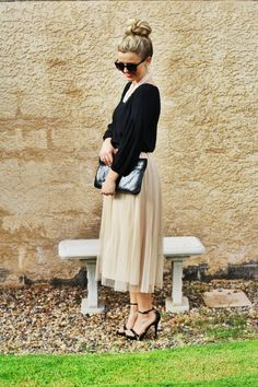 tulle midi skirt + 40's touches. melissaandmckaymeyer.blogspot.com