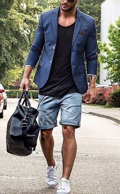 gym time after work // urban men // boys // city life // watches // leather bag…