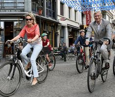 King Philippe, Queen Mathilde, Crown Princess Elisabeth, Prince Gabriel, Princess Eleonore and Prince Emmanuel attended the Car Free Day in Brussels