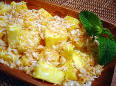 Tanzanian Pineapple Salad - Traditional recipe for a classic salad of pineapples with coconut, double cream, honey and rum topped with cashew nuts. Pineapple Salad, Pineapple Recipes, Pineapple Coconut, Real Food Recipes, Great Recipes, Healthy Recipes, Yummy Recipes, Tanzanian Recipe, Tanzania Food