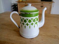 Jolie cafetière émaillée / vert à motifs enamelware / Vintage français pot de café