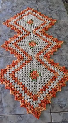 Table centerpiece crochet doily french decor - housewarming crochet rose gift for wife - rose table decoration crochet anniversary runner Crochet Table Mat, Crochet Table Runner Pattern, Crochet Cord, Crochet Fall, Crotchet Patterns, Doily Patterns, Crochet Towel Holders, Rainbow Crochet, Rose Gift