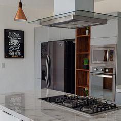 Cocina en melamina con terminales abiertos en tablero de parota. Ubicación Nuevo Vallarta