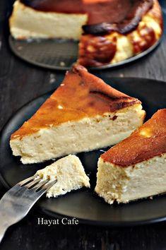 San Sebastian Cheesecake Recipe - Easy Cafe Recipes for Life Cafe - Easy Cheesecake Recipes, Homemade Cake Recipes, My Recipes, Cooking Recipes, Cafe Recipes, Best Brownie Recipe, Brownie Recipes, Mousse Au Chocolat Torte, Best Brownies