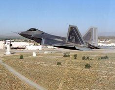 F-22 Raptor Low Level