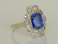 art deco ring met roos geslepen diamant en synthetische blauwe saffier