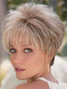 Bob Hairstyles – The Great Look Through The Years Haircuts For Long Hair, Girl Haircuts, Short Hairstyles For Women, Bob Hairstyles, Straight Hairstyles, Braided Hairstyles, Thin Hair Cuts, Short Hair Cuts For Women, Medium Hair Cuts