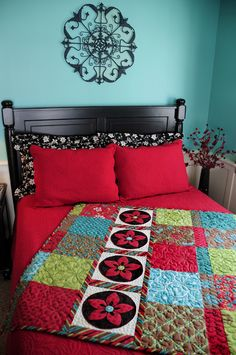 I think I'd have white instead of red. But don't you just love that Quilt!