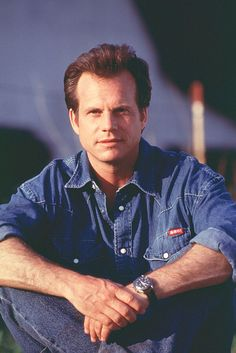 Bill Paxton as Bill Harding in a publicity photo behind the scenes on #Twister (1996). Twister 1996, Daniel Lanois, Mighty Joe, Texas Pride, Movie Titles, Universal Pictures, Hollywood Stars, Celebrity Crush, Actors & Actresses