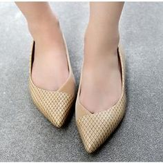 Buy 'SUPER ELEPHANT – Snake-Grain Pointy Flats' with Free International Shipping at YesStyle.com. Browse and shop for thousands of Asian fashion items from China and more!