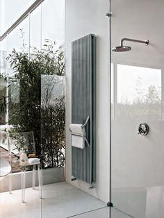 radiador decorativo de agua caliente vertical arkos by tubes radiatori