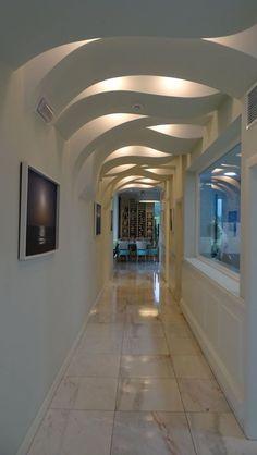 Interior Ceiling Design, Showroom Interior Design, House Ceiling Design, Ceiling Design Living Room, Bedroom False Ceiling Design, Luxury Bedroom Design, Ceiling Light Design, House Wall Design, Village House Design