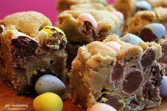 cadbury mini egg blondies-