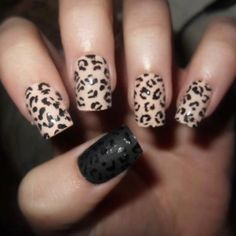 Animal print nails are hot this is my favorite set that I have seen with flat black paint cheetah print nails Cheetah Nail Designs, Leopard Print Nails, Pink Leopard, Leopard Prints, Leopard Spots, Leopard Party, Leopard Animal, Zebra Print, Simple Nail Designs